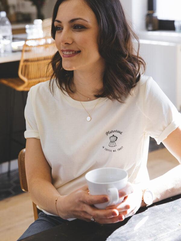 T shirt allaitement écru atelier belette Motherhood in coffee we trust
